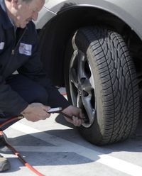 Filling Checking Tire
